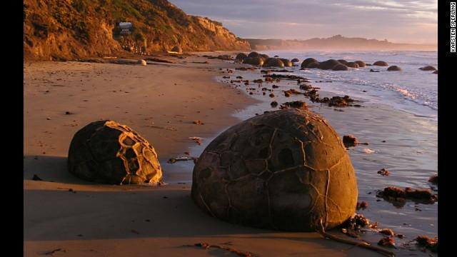 cg78g-boulders.jpg