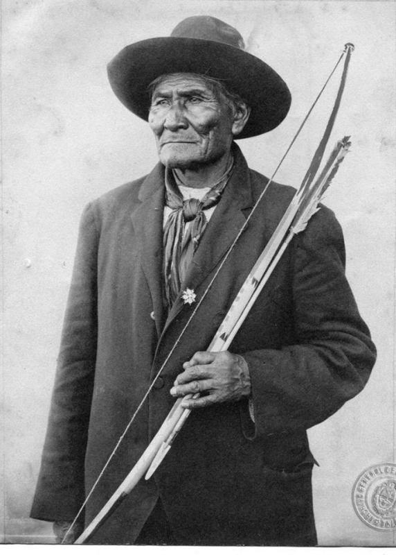 Geronimo_agn_1913.jpg