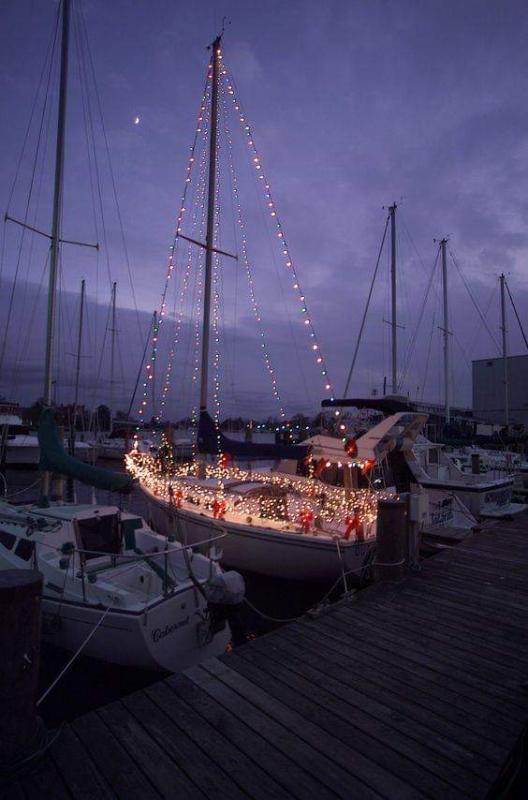 xmasboat.jpg.570285521fdddaaa05c2e128459