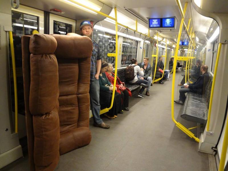 ian-couch-berlin-ubahn-2.jpg
