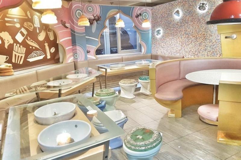 modern-toilet-restaurant-interior-decoration.jpg
