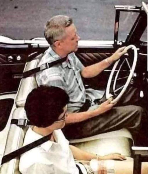 5dd2be2575e41_seatbelt.JPG.3c2bfe17cce60